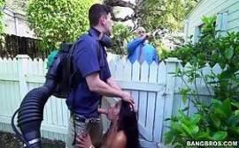 Pornor amador ninfetinha manhosa sentando no cacete do vizinho