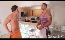Contos gays de novinhos bombados se pegando na maca de massagem