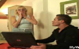 Porno incesto real com a coroa safada dando em cima de seu sobrinho