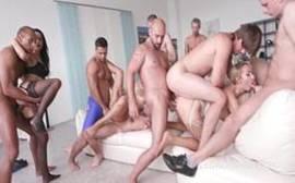video porno orgia muito louca na casa da praia