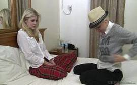 X videos de lesbicas lindas e loirinhas se pegando em cima da cama