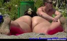 Nudes de uma gostosa na prai de nudismo