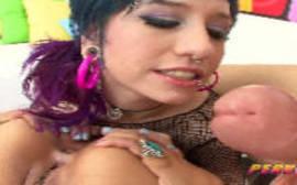 Video de sexo hd com a bunduda que adora uma rola grossa na boca