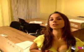 Video porno xvideos com uma morena pantera que adora sexo forte
