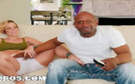 Videos de sex com negão tarado transando com uma loira