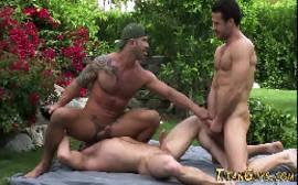 Videos gays gratis brasileioros se pegando com tudo no jardim