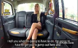 Loira safada fazendo um sexo anal com o taxista bem dotado