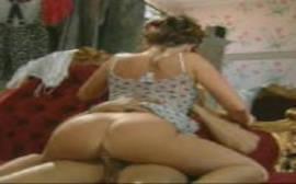 Xvideos porno com uma coroa gostosa pra caralho em um bom porno italiano