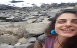 Mamando a piroca do amigo na beira da praia