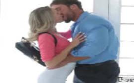 Quero assistir filme de sexo com a ninfetinha loira dadno pro namorado na cozinha