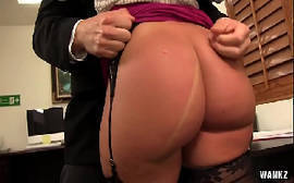 Savannah Fox morena da bunda grande fazendo sexo anal