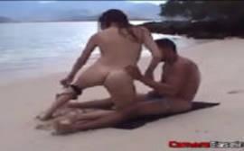Sexo na praia com a mulher gostosa