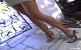 Sexo xxx com uma morena de pernas linda da porra dando bem gostoso o seu bucetão carnudo