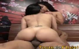 Suruba com a esposa e amiga gostosa em um porno carioca de pegar fogo