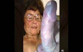 Velha safada se masturbando muito gostoso