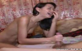 Vídeo porno novinha adora foder fica toda feliz dando a bucetinha