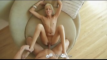 Magrinha do xvideos quer pau bem fundo na buceta gulosa da porra que aguenta varada bem forte