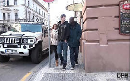 Corno viu a sua namorada dando para o novinho