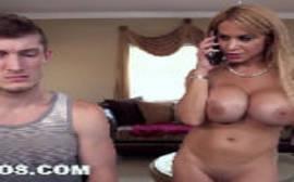 Ver videos porno da loira peituda ligando para a amiga para uma boa foda com ela e seu macho
