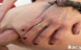 Veronica Avluv atriz porno rabuda fazendo um sexo anal bem violento com o maluco bem dotado