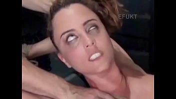 You porn puta revira os olhos e goza com pau no cu