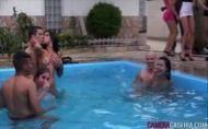 Brazzers com festinha com muito sexo na piscina